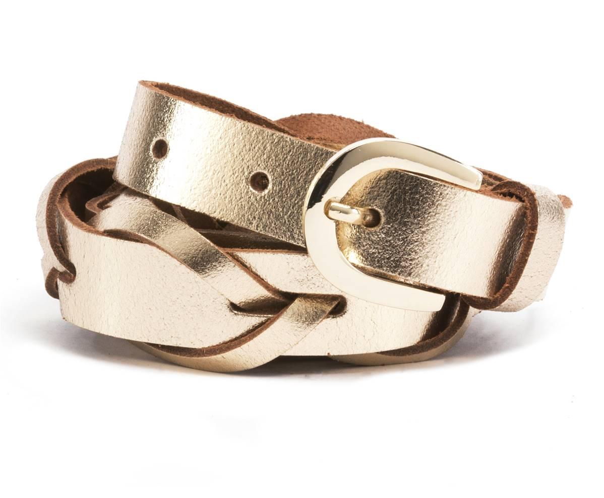 c30877ce1c6d Valeur sûre de toute garde-robe, Léa est une ceinture tressée dorée qui  apportera de la brillance sur un pantalon ou sur une jolie robe noire.